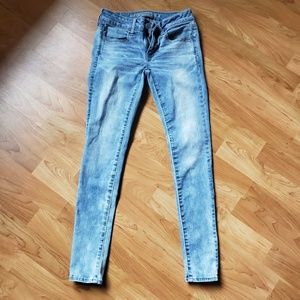 American Eagle Low Rise Jeans 2 Short